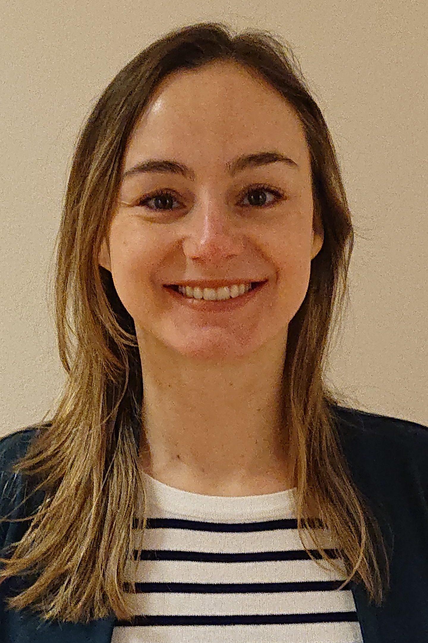 Vivian Oliveira Nunes Teixeira